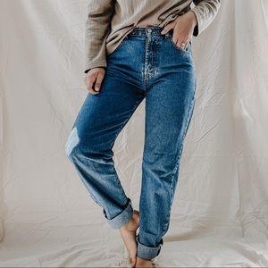 CALVIN KLEIN   Vintage Straight Leg High Rise Button Fly Denim Jeans Sz 4